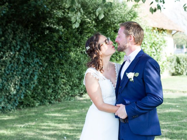 Le mariage de Thomas et Julie à Crosmières, Sarthe 76