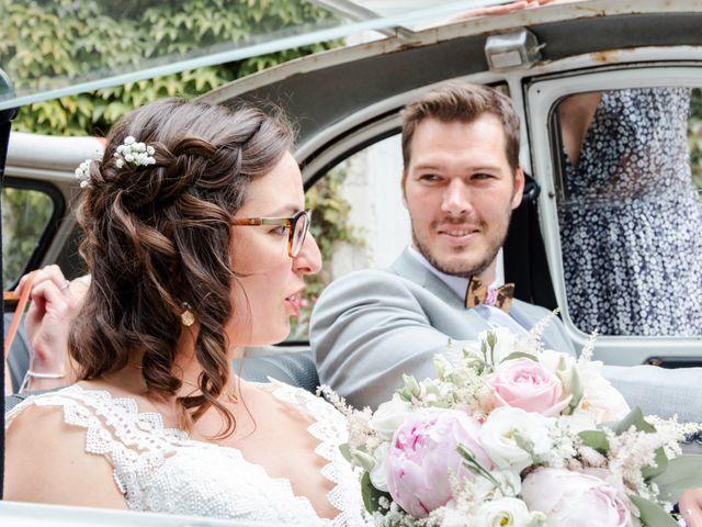 Le mariage de Thomas et Julie à Crosmières, Sarthe 33
