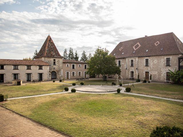 Le mariage de Mickael et Déborah à Saint-Léon-sur-l'Isle, Dordogne 1