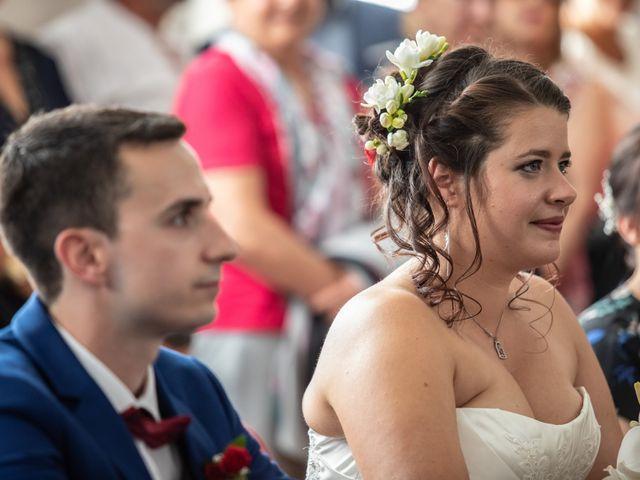 Le mariage de Mickael et Déborah à Saint-Léon-sur-l'Isle, Dordogne 9