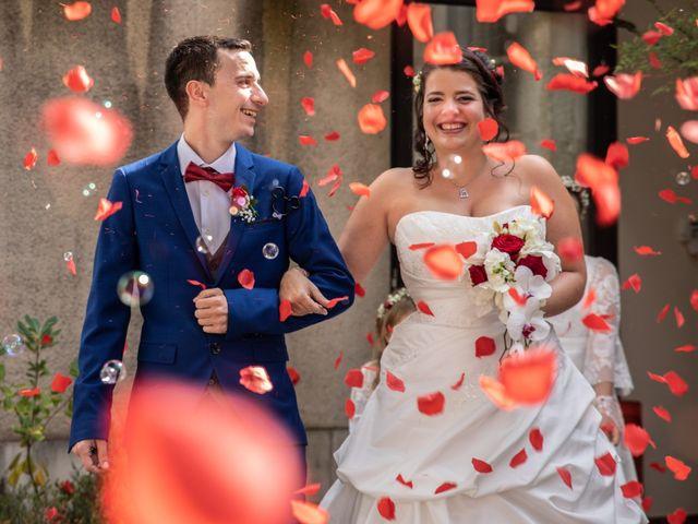 Le mariage de Mickael et Déborah à Saint-Léon-sur-l'Isle, Dordogne 11