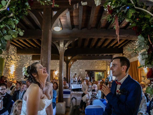 Le mariage de Mickael et Déborah à Saint-Léon-sur-l'Isle, Dordogne 12
