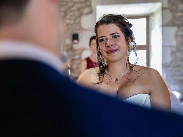 Le mariage de Mickael et Déborah à Saint-Léon-sur-l'Isle, Dordogne 14