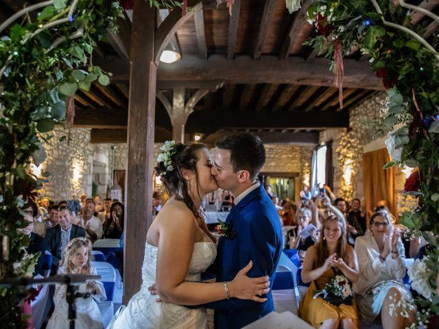 Le mariage de Mickael et Déborah à Saint-Léon-sur-l'Isle, Dordogne 15