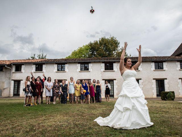Le mariage de Mickael et Déborah à Saint-Léon-sur-l'Isle, Dordogne 20