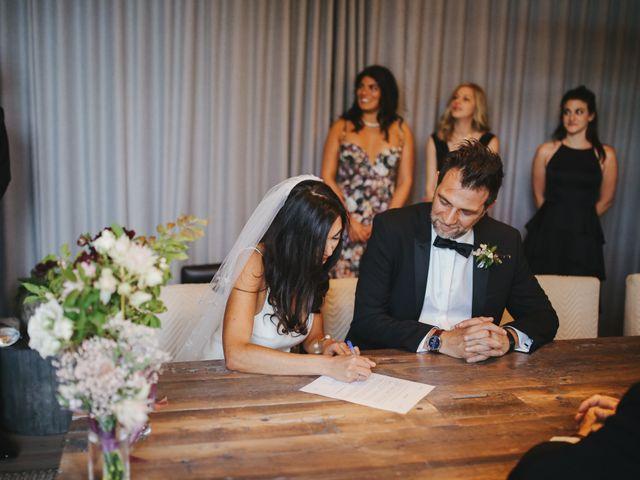 Le mariage de Leandro et Jenette à Paris, Paris 30