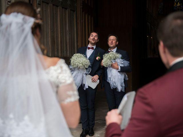 Le mariage de Jules et Bettina à Clécy, Calvados 10