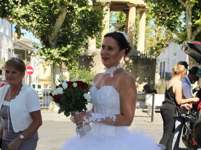 Le mariage de Romuald et Virginie à Clarensac, Gard 5