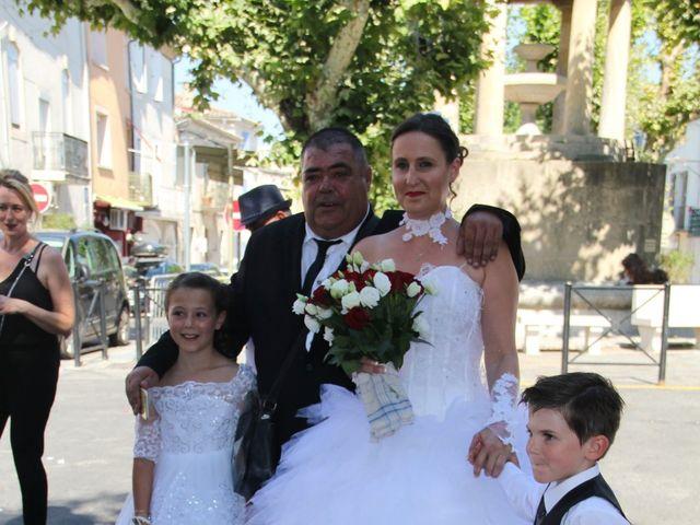 Le mariage de Romuald et Virginie à Clarensac, Gard 7