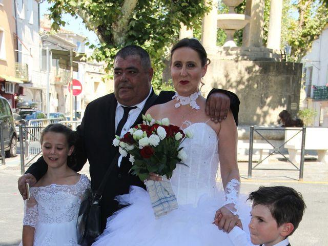 Le mariage de Romuald et Virginie à Clarensac, Gard 8