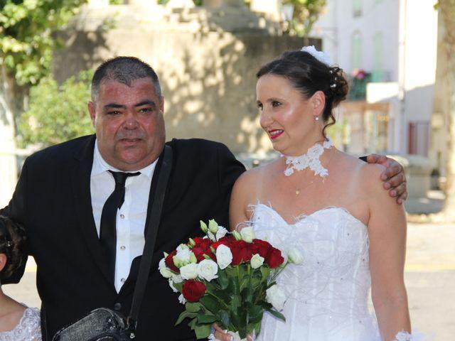 Le mariage de Romuald et Virginie à Clarensac, Gard 1
