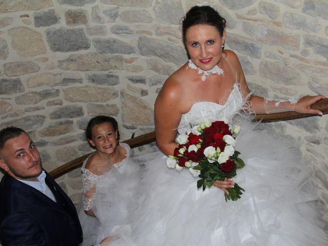 Le mariage de Romuald et Virginie à Clarensac, Gard 14
