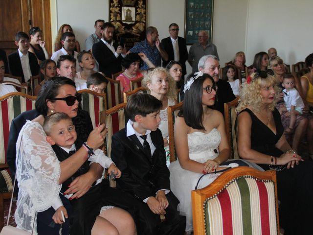 Le mariage de Romuald et Virginie à Clarensac, Gard 18