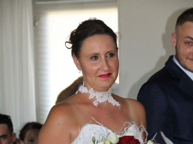 Le mariage de Romuald et Virginie à Clarensac, Gard 21