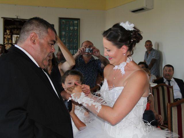 Le mariage de Romuald et Virginie à Clarensac, Gard 26
