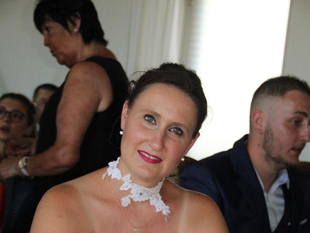 Le mariage de Romuald et Virginie à Clarensac, Gard 33