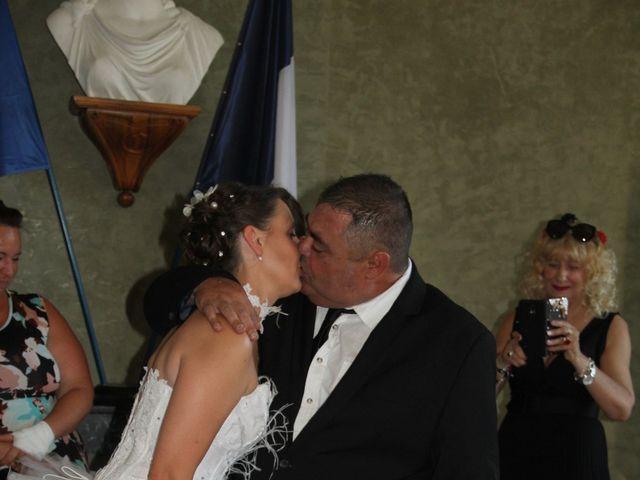 Le mariage de Romuald et Virginie à Clarensac, Gard 35