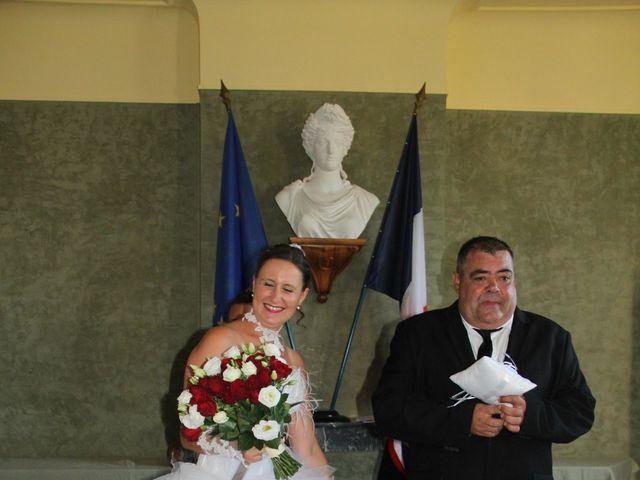 Le mariage de Romuald et Virginie à Clarensac, Gard 36