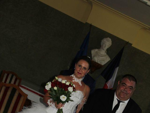 Le mariage de Romuald et Virginie à Clarensac, Gard 40