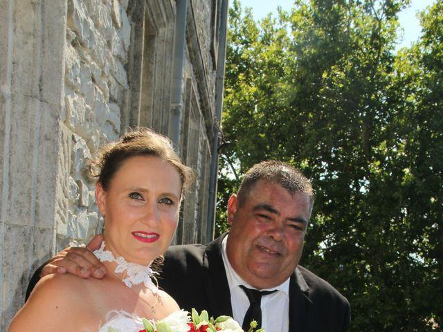 Le mariage de Romuald et Virginie à Clarensac, Gard 43