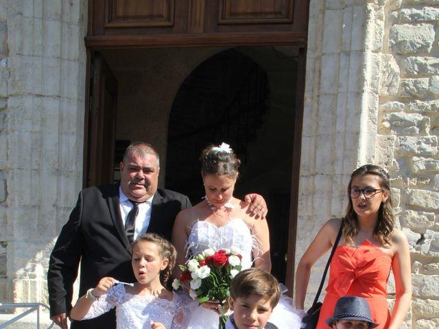 Le mariage de Romuald et Virginie à Clarensac, Gard 55