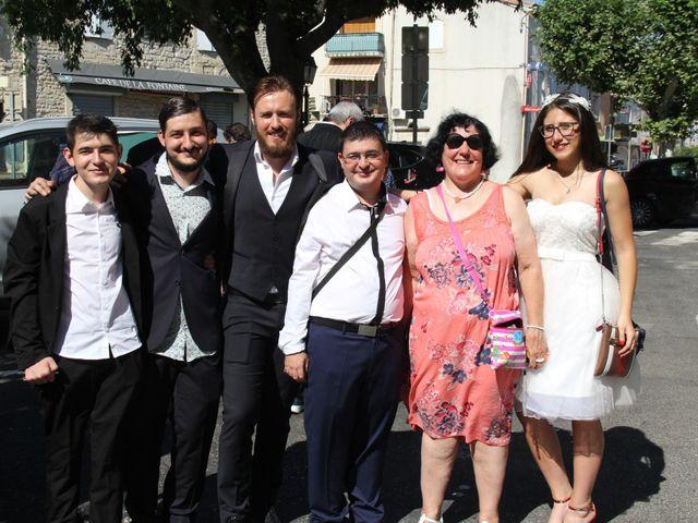 Le mariage de Romuald et Virginie à Clarensac, Gard 61