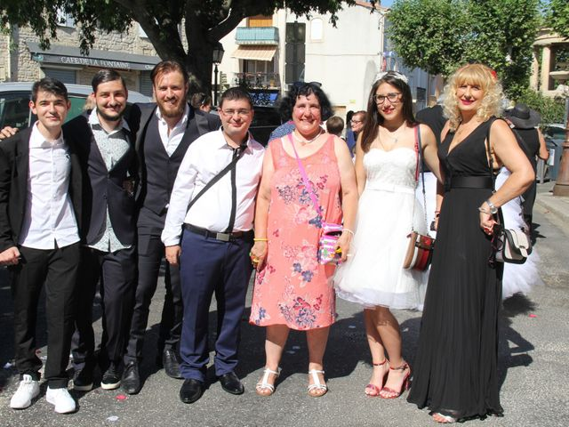 Le mariage de Romuald et Virginie à Clarensac, Gard 63
