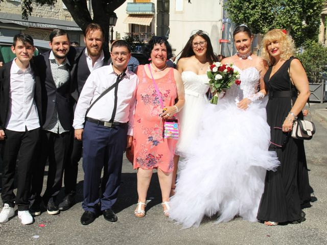 Le mariage de Romuald et Virginie à Clarensac, Gard 65