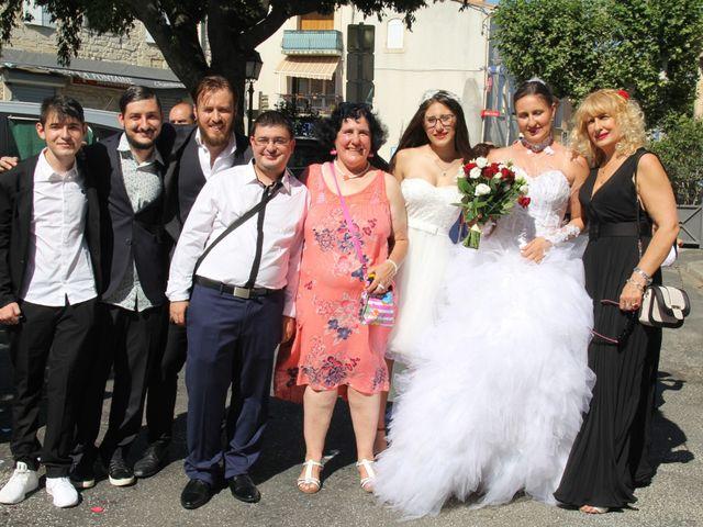 Le mariage de Romuald et Virginie à Clarensac, Gard 66
