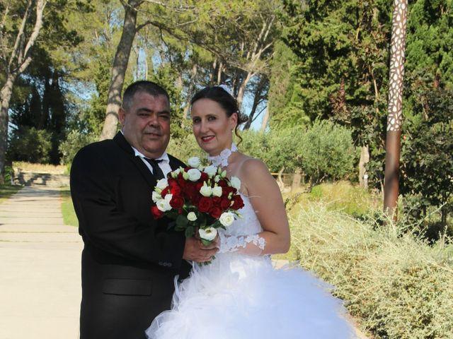 Le mariage de Romuald et Virginie à Clarensac, Gard 77