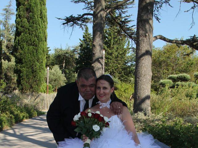 Le mariage de Romuald et Virginie à Clarensac, Gard 84