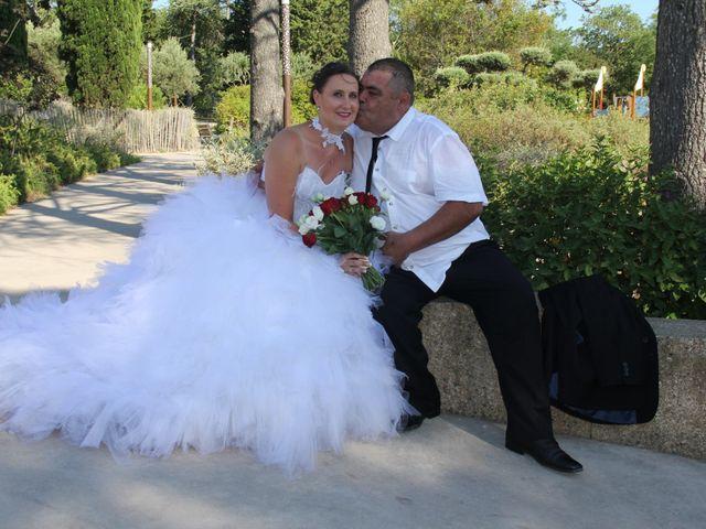 Le mariage de Romuald et Virginie à Clarensac, Gard 89