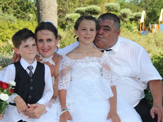 Le mariage de Romuald et Virginie à Clarensac, Gard 91