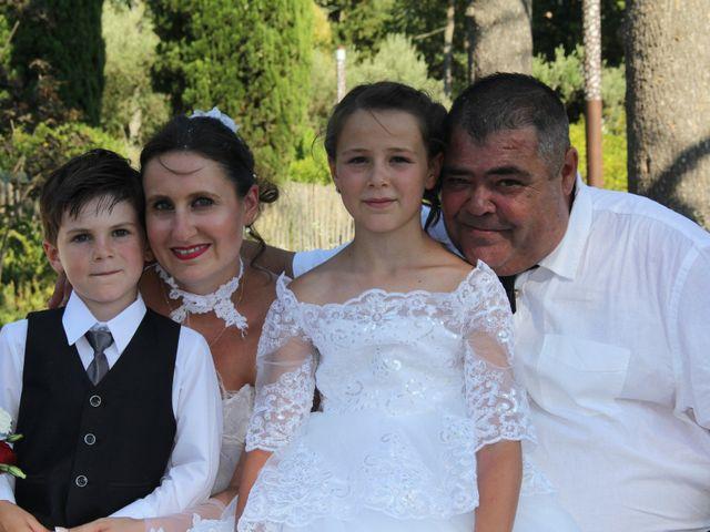 Le mariage de Romuald et Virginie à Clarensac, Gard 92