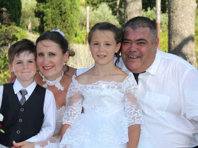 Le mariage de Romuald et Virginie à Clarensac, Gard 93