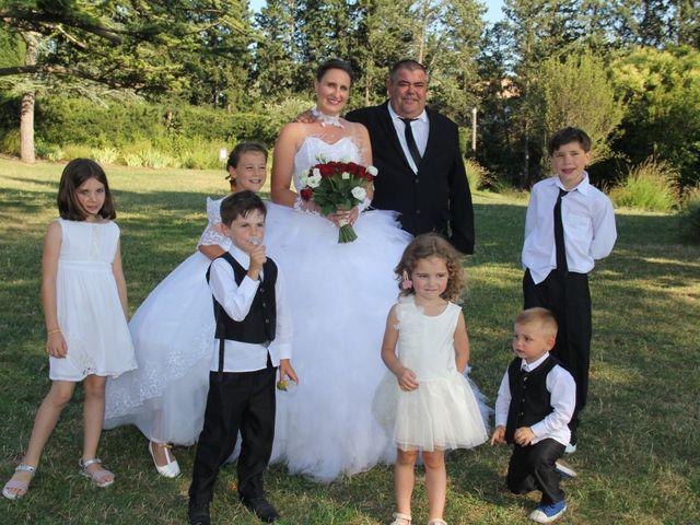 Le mariage de Romuald et Virginie à Clarensac, Gard 139