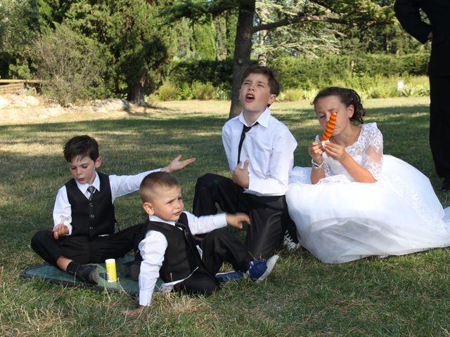 Le mariage de Romuald et Virginie à Clarensac, Gard 142