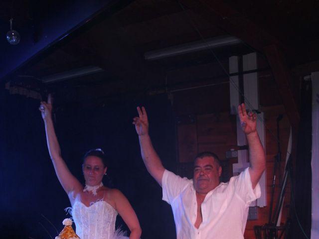 Le mariage de Romuald et Virginie à Clarensac, Gard 335