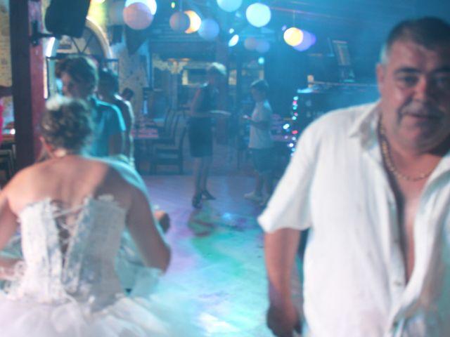 Le mariage de Romuald et Virginie à Clarensac, Gard 345