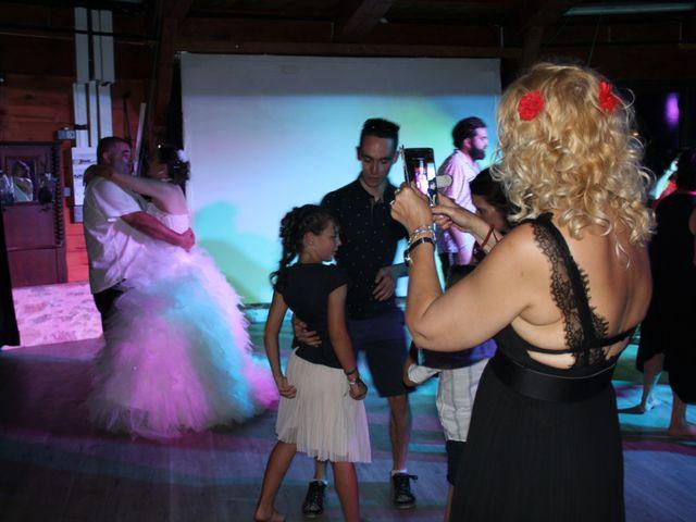 Le mariage de Romuald et Virginie à Clarensac, Gard 351