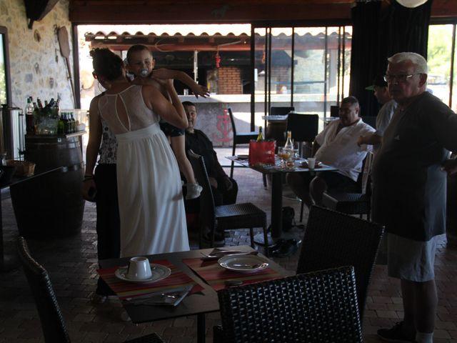 Le mariage de Romuald et Virginie à Clarensac, Gard 411