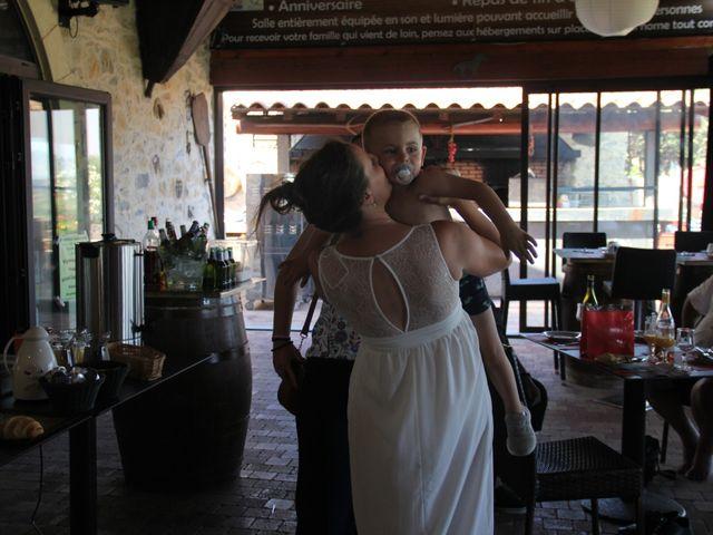 Le mariage de Romuald et Virginie à Clarensac, Gard 412