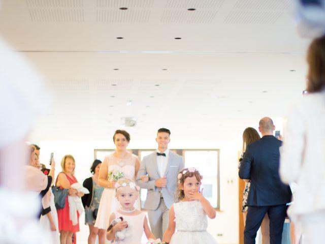 Le mariage de David et Mélanie à Issenheim, Haut Rhin 24