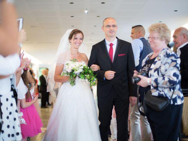 Le mariage de David et Mélanie à Issenheim, Haut Rhin 26