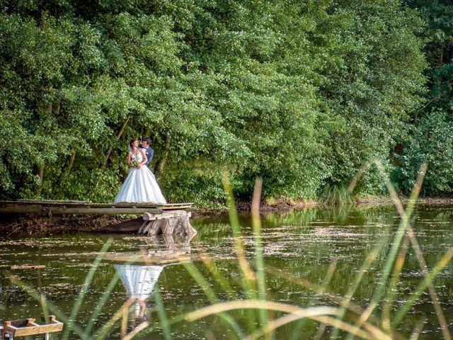 Le mariage de Robin et Sophie à Saint-Briac-sur-Mer, Ille et Vilaine 16