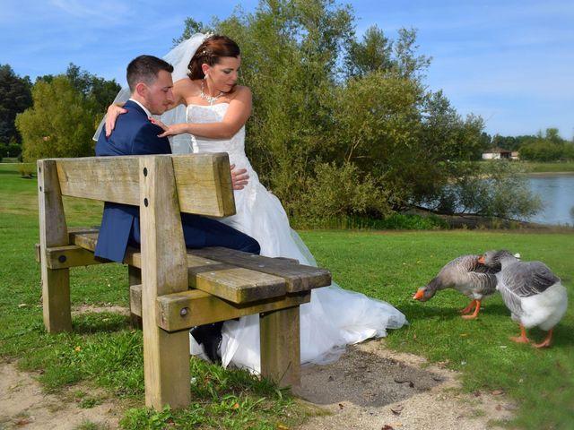 Le mariage de Adrien et Elsa à Génissac, Gironde 11