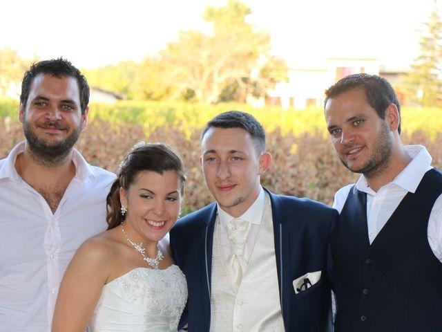 Le mariage de Adrien et Elsa à Génissac, Gironde 14