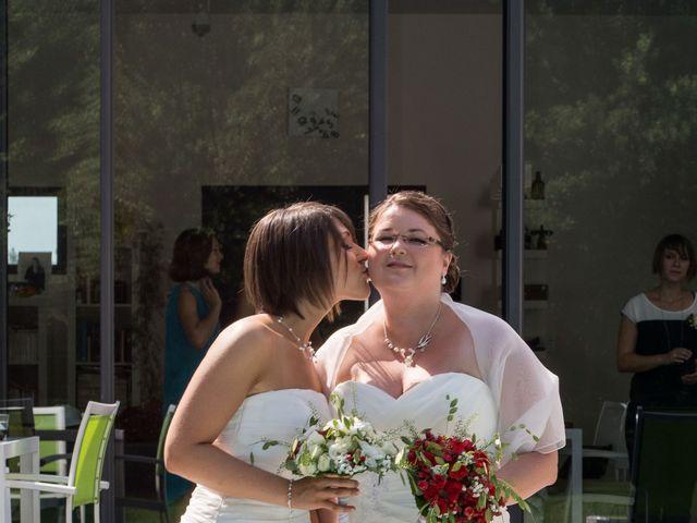 Le mariage de Daria et Emilie à Remoulins, Gard 5