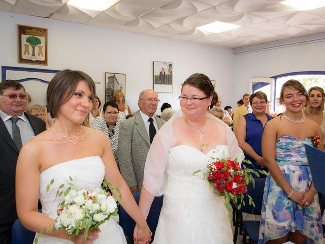 Le mariage de Daria et Emilie à Remoulins, Gard 12
