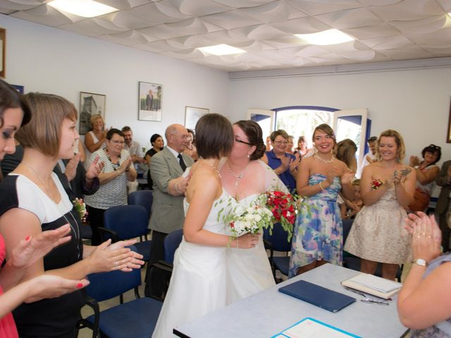 Le mariage de Daria et Emilie à Remoulins, Gard 14